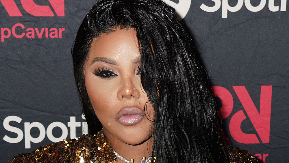 Lil' Kim on the red carpet