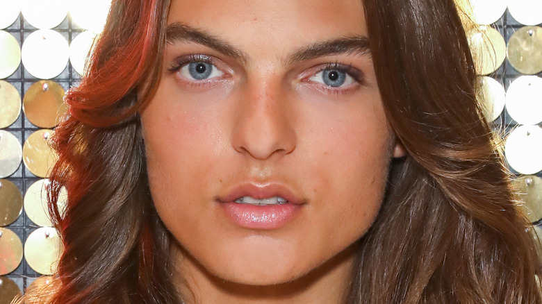 Damian Hurley poses in 2019