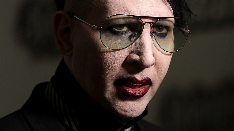 Marilyn Manson singing