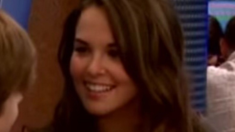 """Zoey Deutch on """"Suite Life on Deck,"""" screenshot of her talking to Zack"""