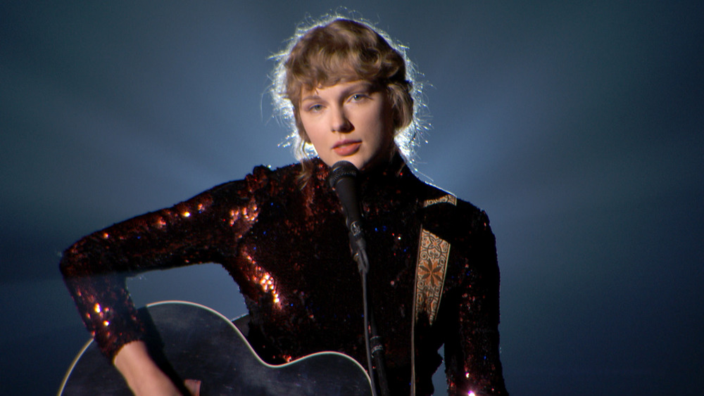 Taylor Swift performing Betty at the 2020 ACMAs