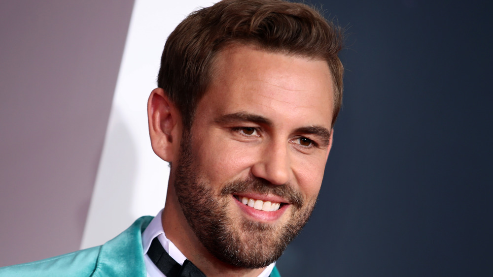 Nick Viall attends the AMA awards in 2019