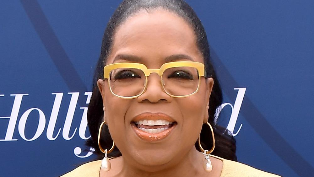 Oprah Winfrey, posing
