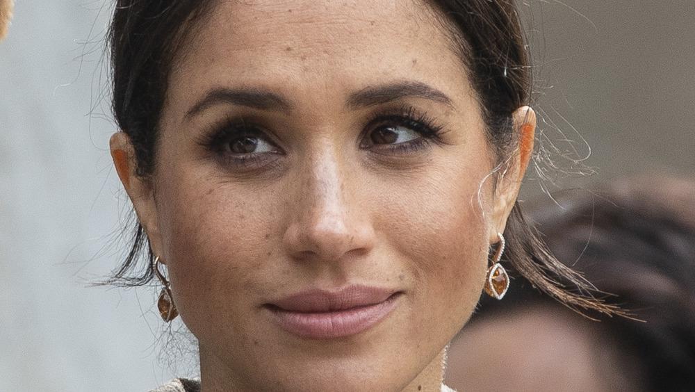 Meghan Markle orange earrings