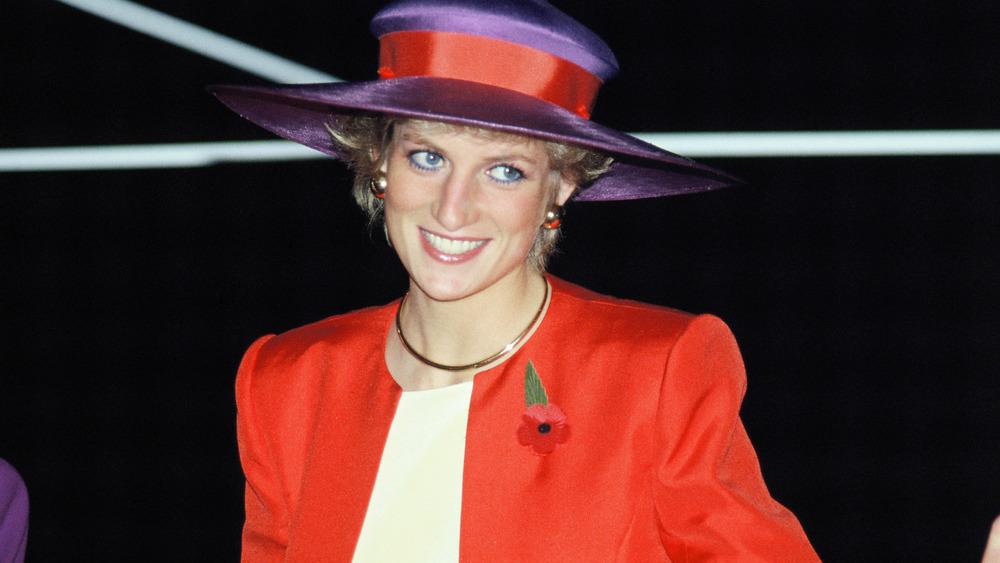 Princess Diana visiting Hong Kong in 1989