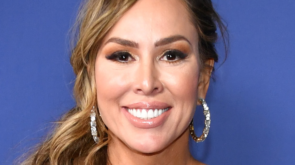 Kelly Dodd from RHOC on a red carpet