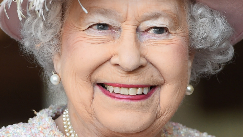 Queen Elizabeth pink lipstick