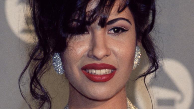 Selena Quintanilla posing