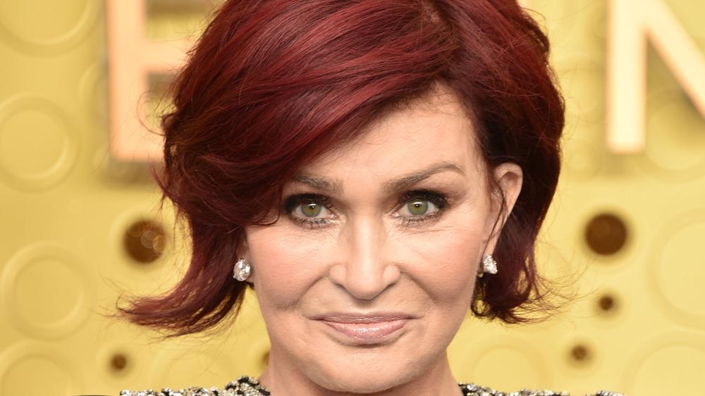 Sharon Osbourne posing on the red carpet