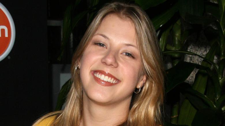 Jodie Sweetin smiling