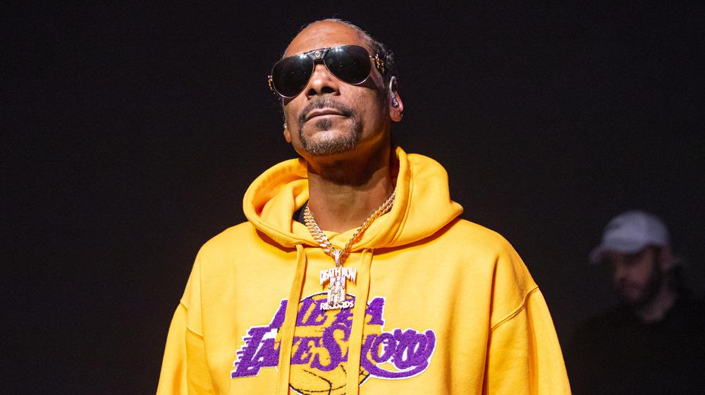 Snoop Dogg wearing sunglasses