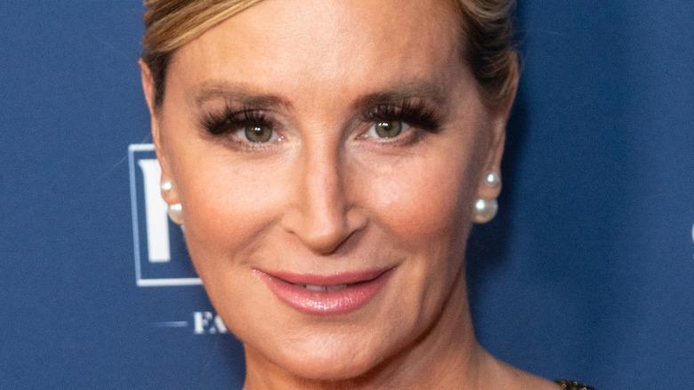 Sonja Morgan smiling on red carpet