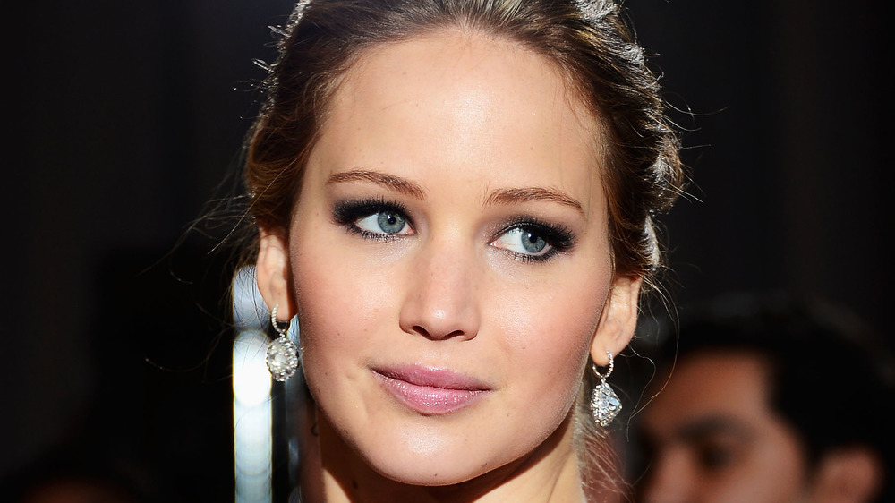 Jennifer Lawrence posing