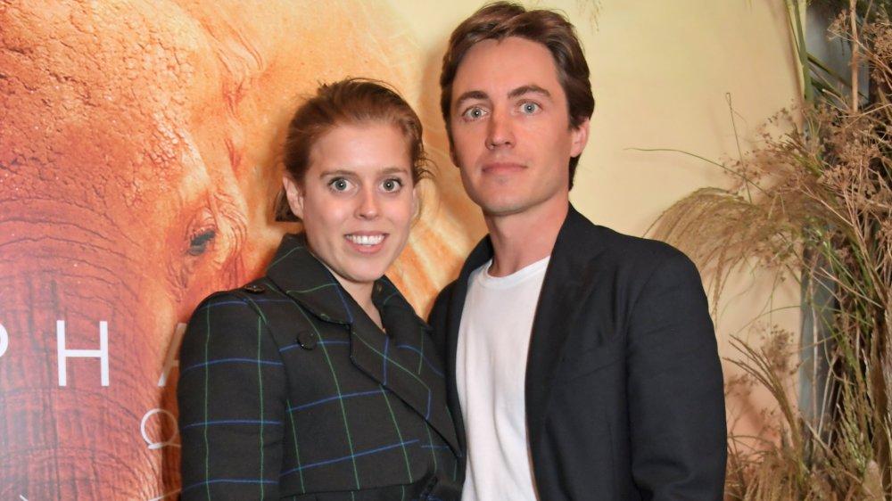 Princess Beatrice smiling and posing with husband Edoardo Mapelli Mozzi