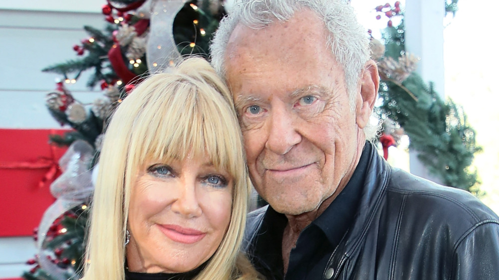 Suzanne Somers and Alan Hamel smiling