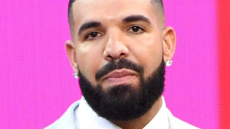 Drake wins Artist of the Decade