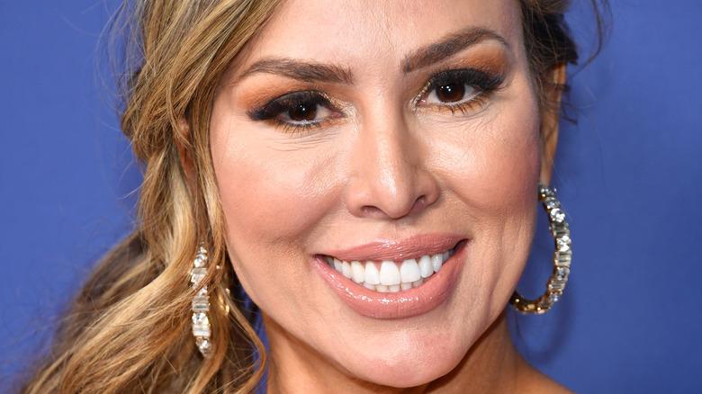 Kelly Dodd smiling