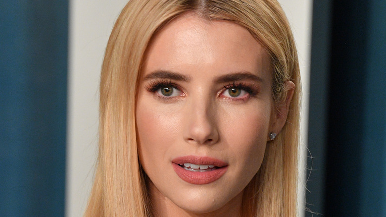 Emma Roberts attends the 2020 Vanity Fair Oscar party hosted by Radhika Jones
