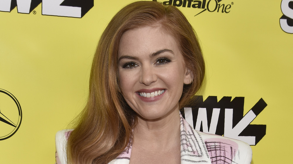 Isla Fisher smiling on the red carpet