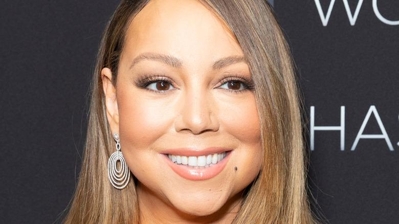 Mariah Carey straight hair