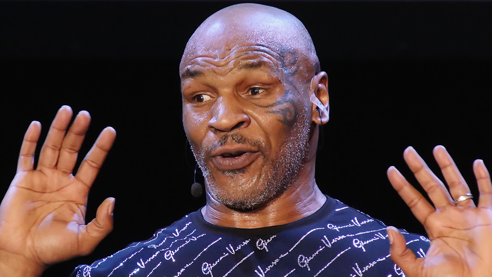 Mike Tyson performs one man show