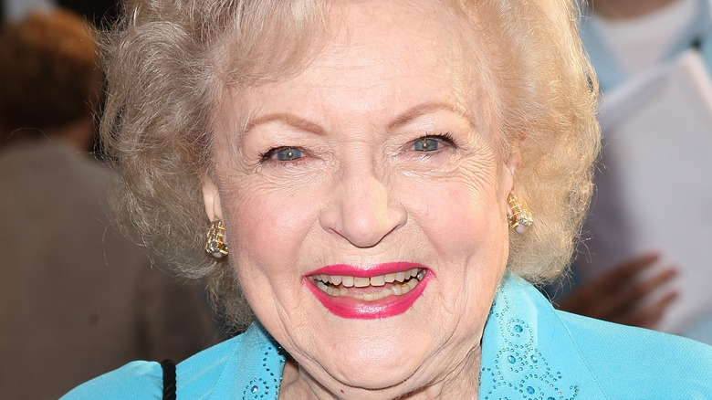 Betty White, The Proposal premiere red carpet