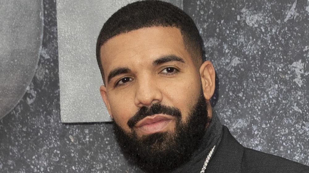 Drake posing with beard
