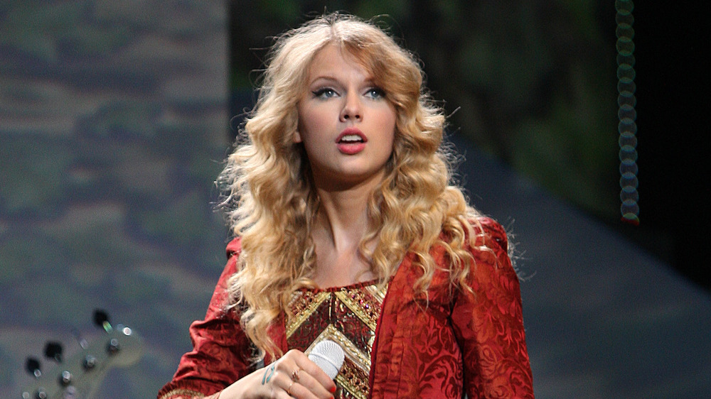 Taylor Swift performing Love Story on-stage
