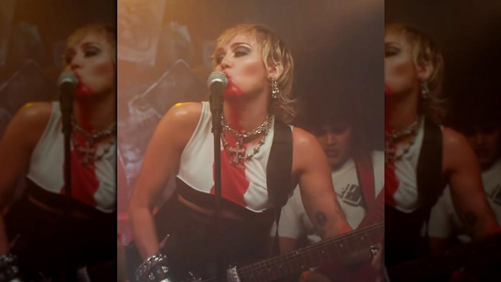 Dua Lipa licking Miley Cyrus' face