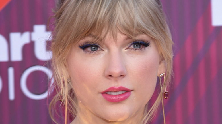 Taylor Swift with messy bangs