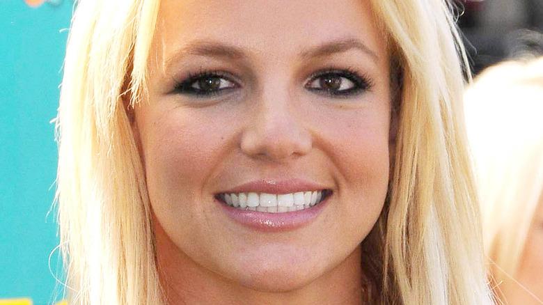 Britney Spears white teeth