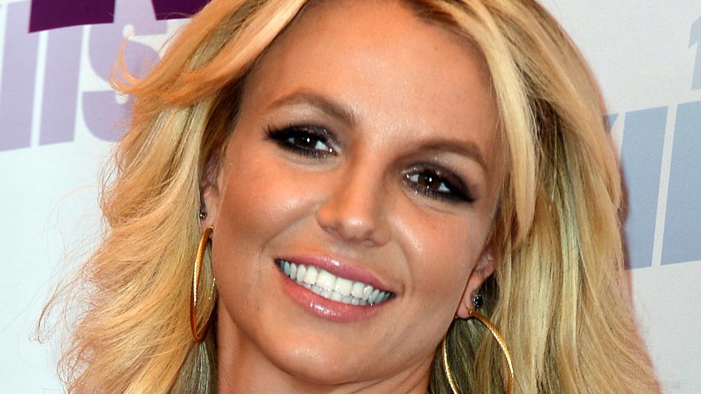 Britney Spears hoops