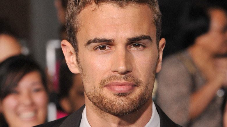 Theo James at a red carpet event