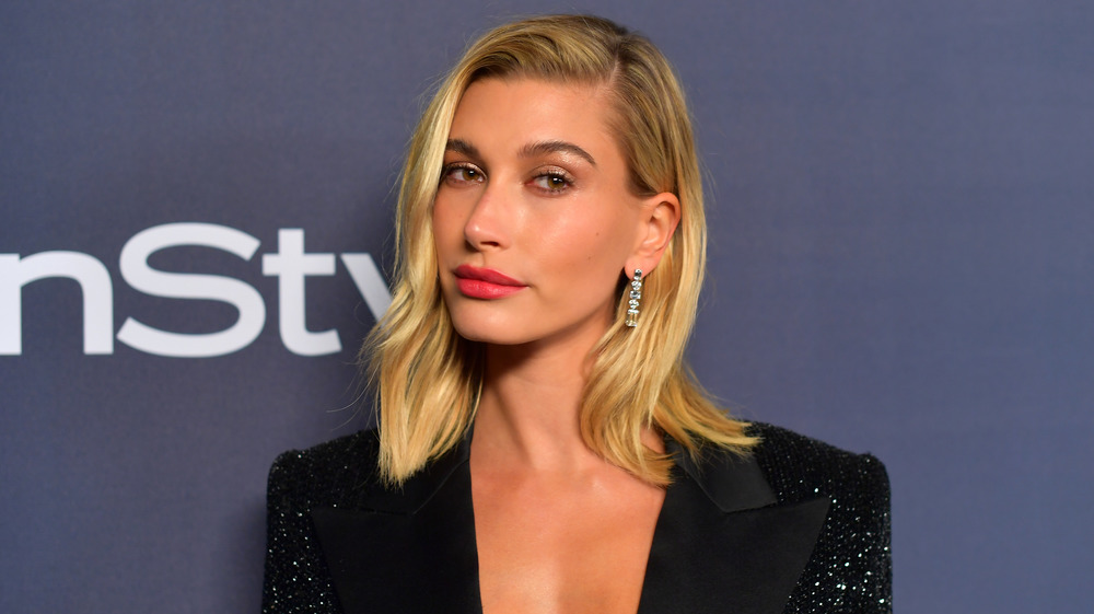Hailey Bieber posing on the red carpet