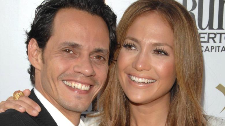 Marc Anthony and Jennifer Lopez smiling