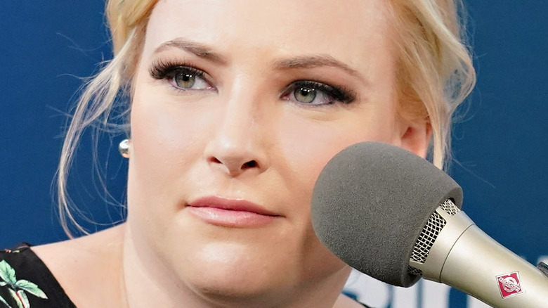 Meghan McCain speaking with host Julie Mason during a SiriusXM event