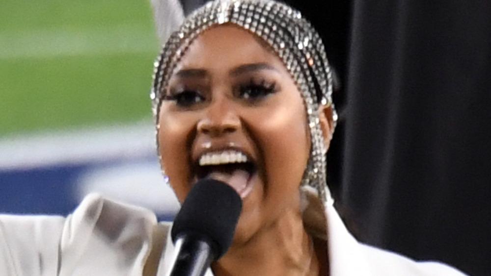 Jazmine Sullivan singing at the Super Bowl