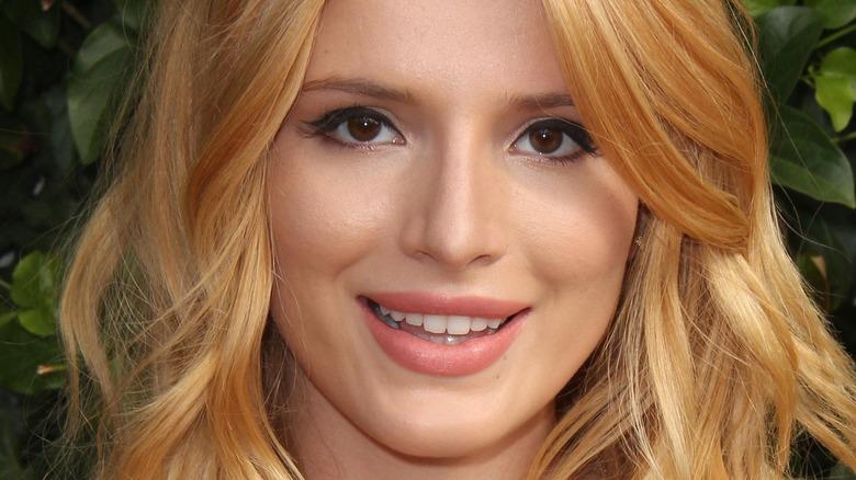 Bella Thorne smiling