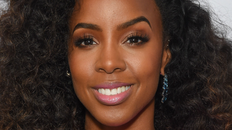 Kelly Rowland long hair smiling