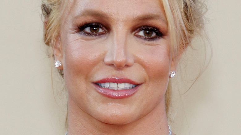 Britney Spears posing on the red carpet