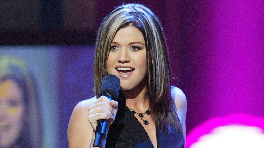 Kelly Clarkson performing on American Idol in 2002