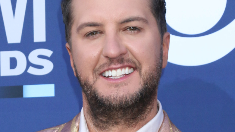 Luke Bryan smiles in 2019