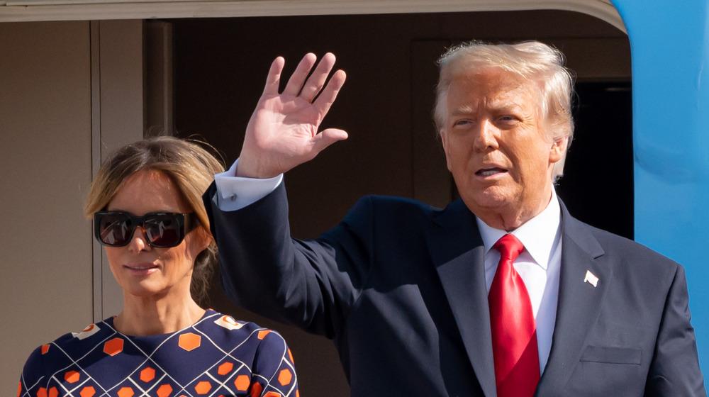 Melania and Donald Trump wave