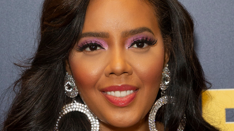 Angela Simmons on a red carpet