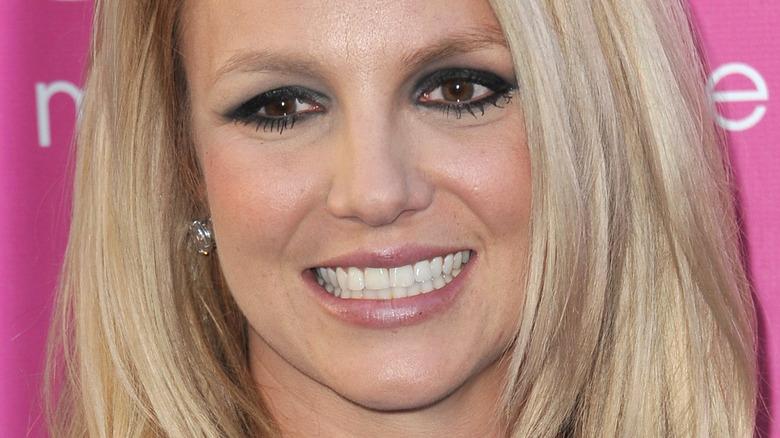 Britney Spears dark eyeliner