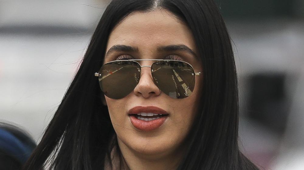 Emma Coronel Aispuro in sunglasses