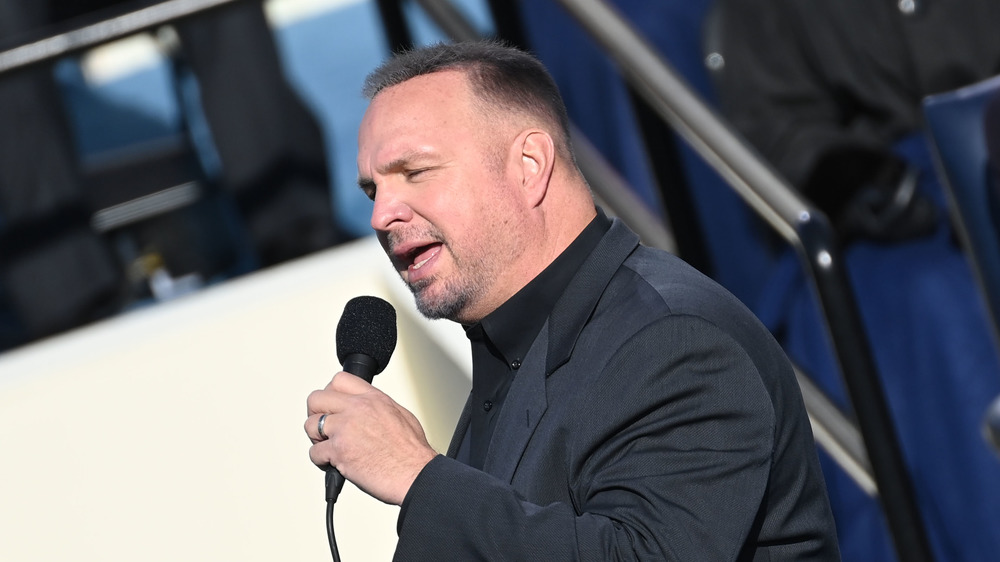 Garth Brooks performing at the presidential inauguration