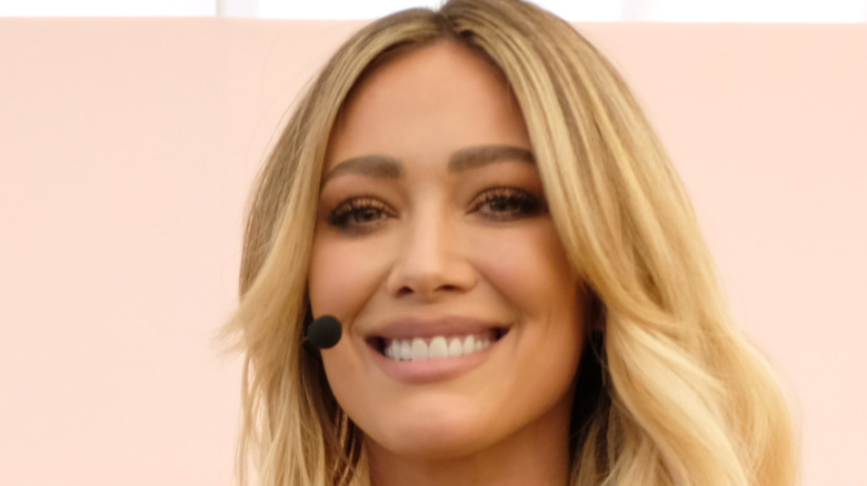 Hilary Duff smiling #BlogHer20