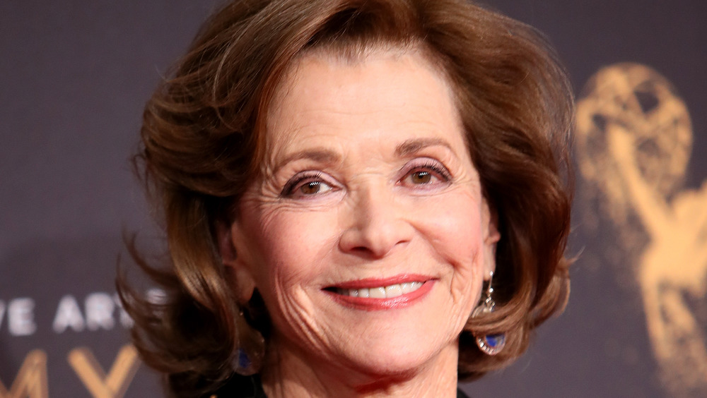 Jessica Walter smiling at a red carpet event