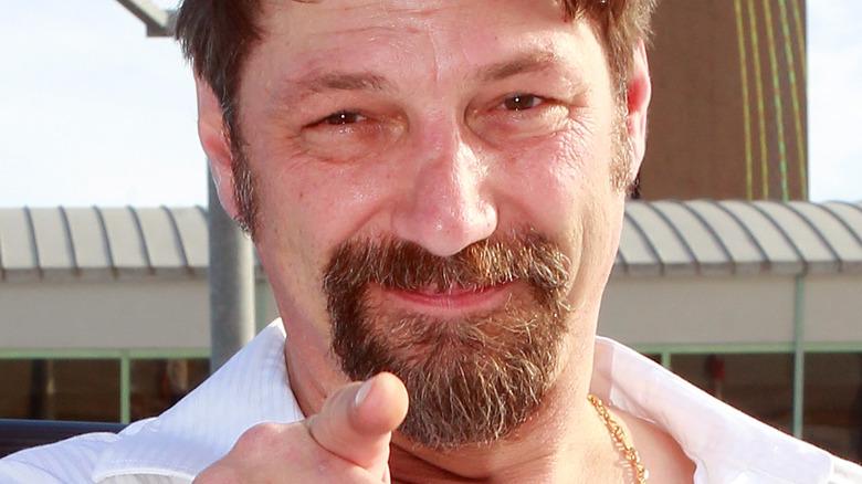Johnathan Hillstrand pointing his finger